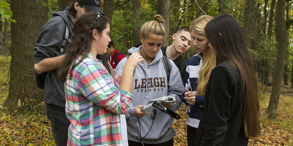 Lehigh University Science and Environmental Writing Program- students completing science fieldwork